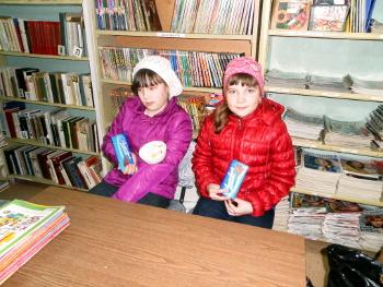 5 мая в библиотеке-филиале им. Г. Н. Фофанова прошел заключительный этап краеведческой викторины «Это все ты знаешь с детства, это все твой край родной»